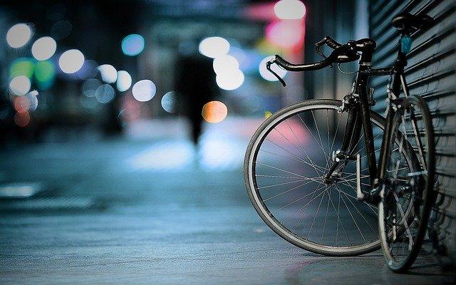jak dobrać kask rowerowy